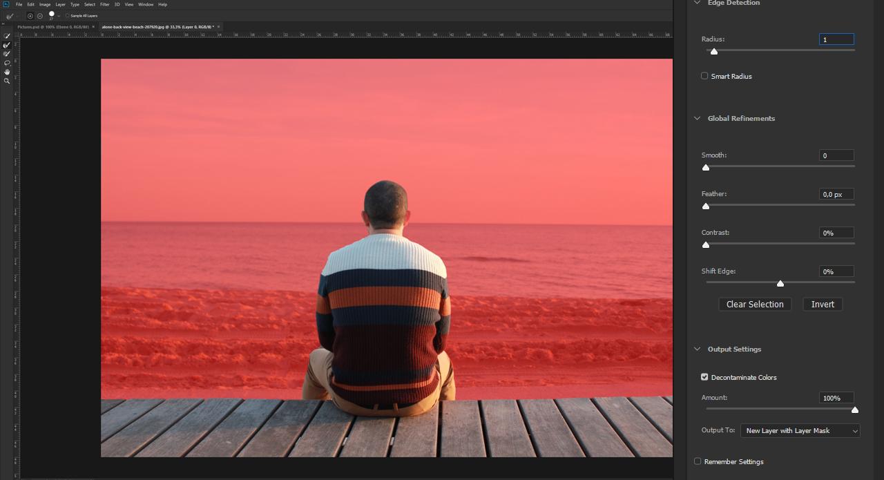 Enabling Decontaminate Colours helps Photoshop recognize the individual edges